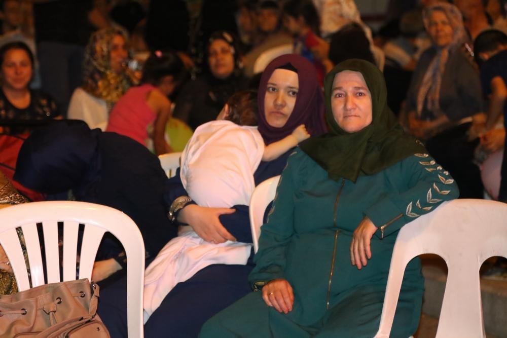 Akhisar'da demokrasi nöbeti 20'nci gününde de sürüyor galerisi resim 1