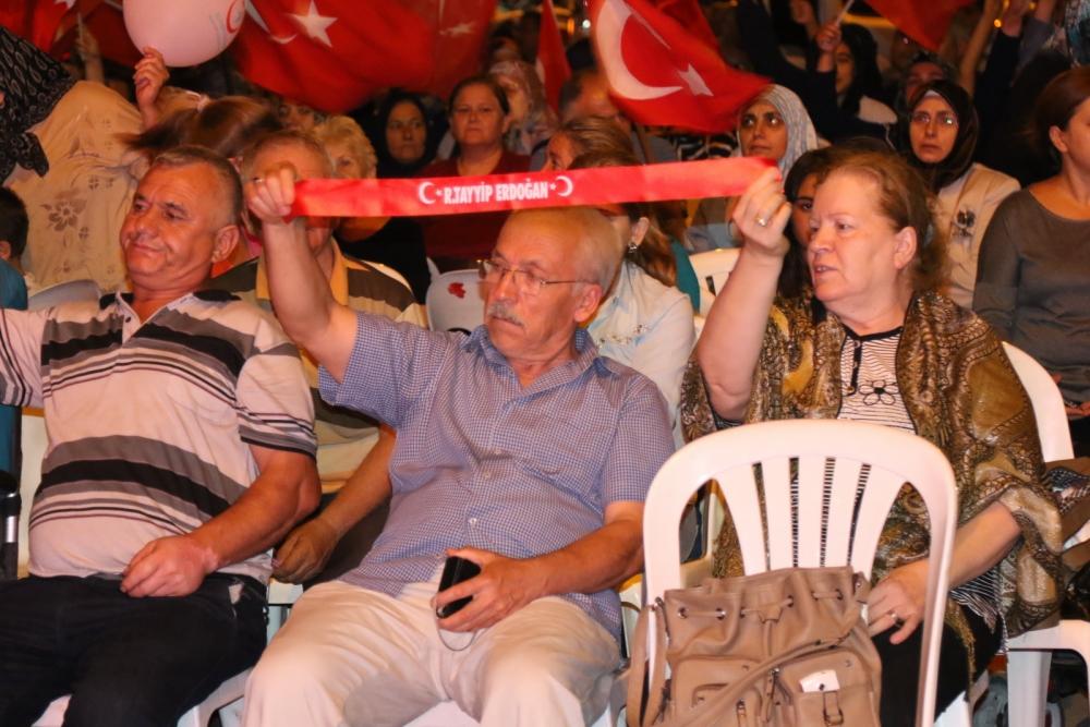 Akhisar'da demokrasi nöbeti 20'nci gününde de sürüyor 12