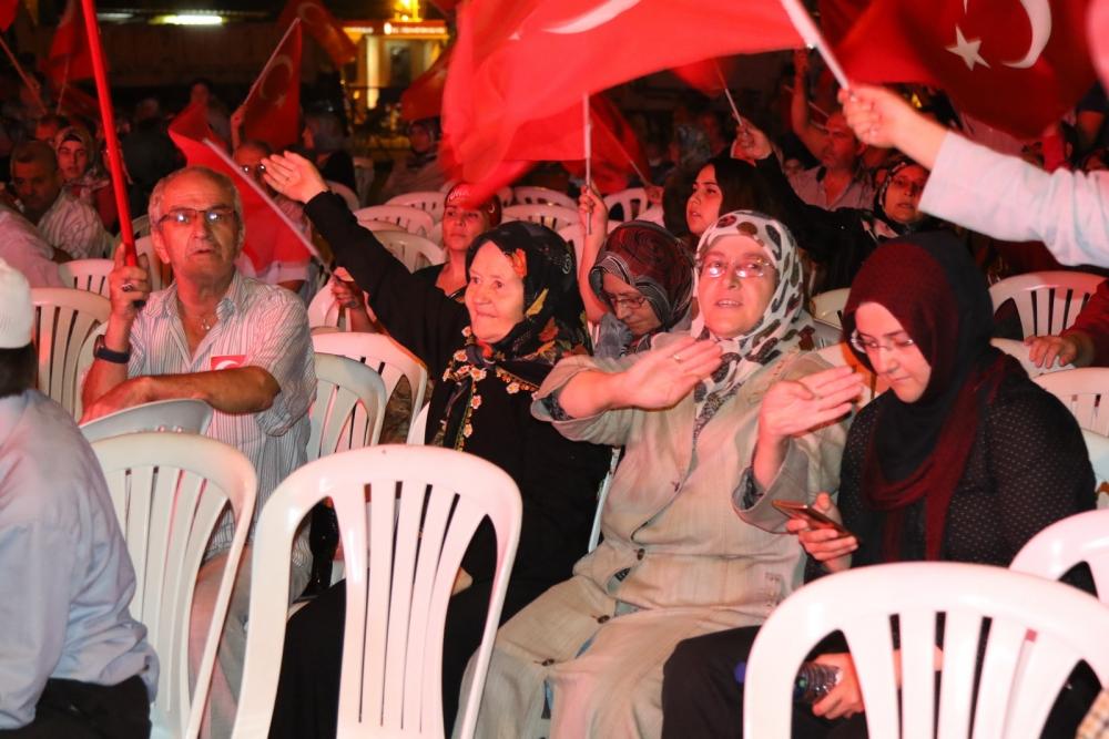 Akhisar'da demokrasi nöbeti 20'nci gününde de sürüyor 13
