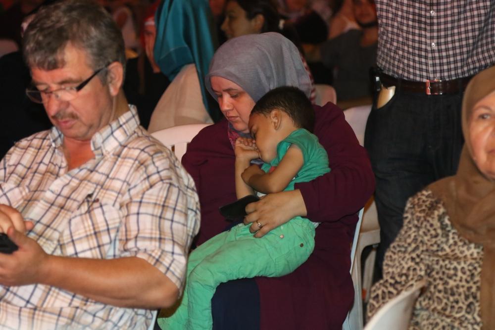 Akhisar'da demokrasi nöbeti 20'nci gününde de sürüyor 16