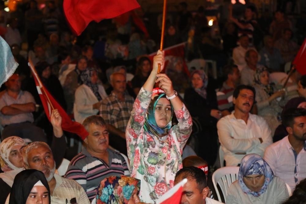 Akhisar'da demokrasi nöbeti 20'nci gününde de sürüyor 2