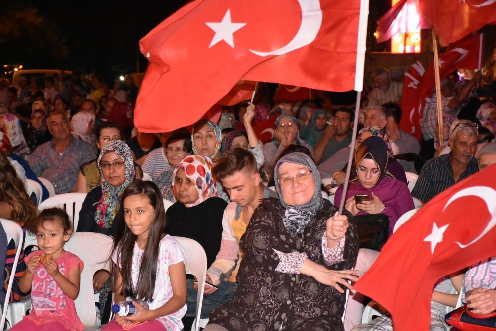 Akhisar'da demokrasi nöbeti 20'nci gününde de sürüyor 22
