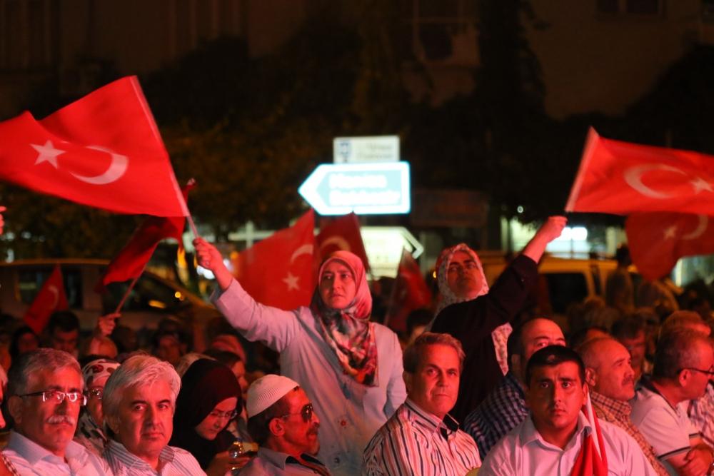 Akhisar'da demokrasi nöbeti 20'nci gününde de sürüyor galerisi resim 3