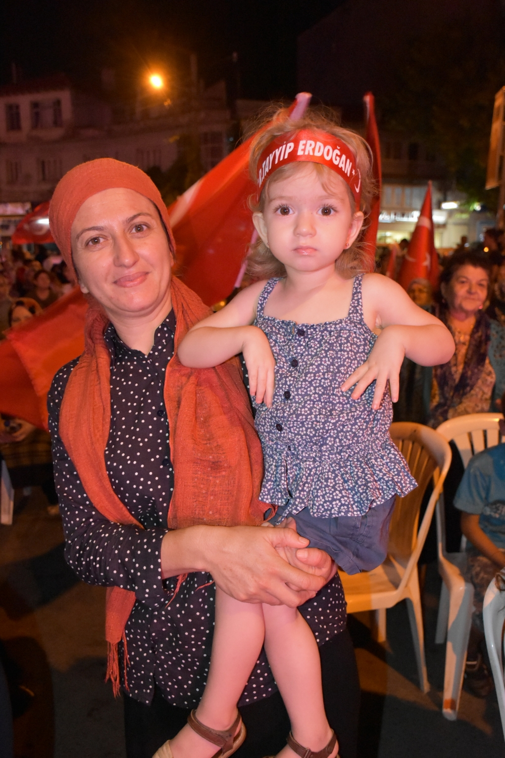 Akhisar'da demokrasi nöbeti 20'nci gününde de sürüyor galerisi resim 37