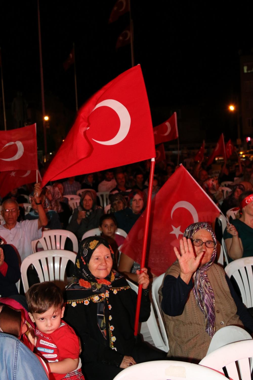 Akhisar'da demokrasi nöbeti 20'nci gününde de sürüyor 49