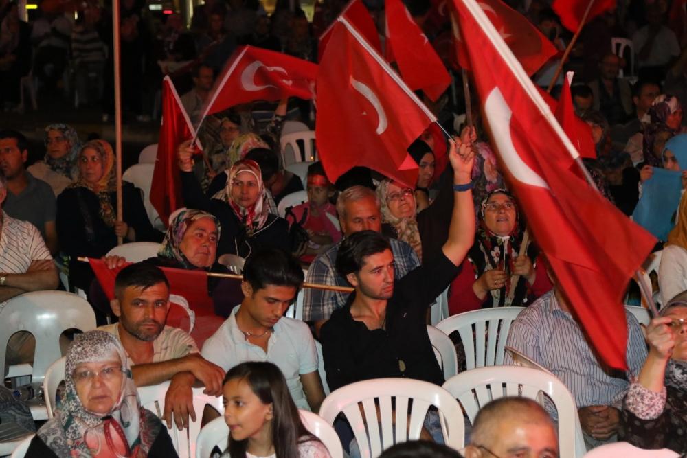 Akhisar'da demokrasi nöbeti 20'nci gününde de sürüyor 5