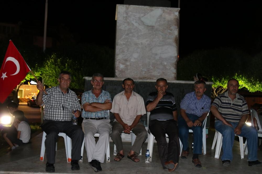 Akhisar'da demokrasi nöbeti 20'nci gününde de sürüyor 54