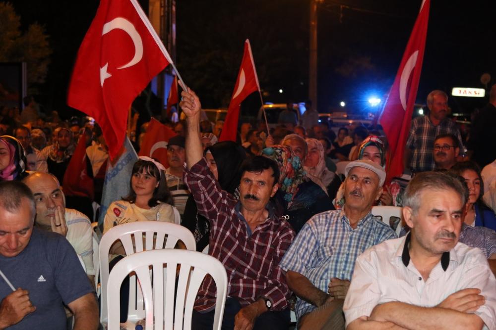 Akhisar'da demokrasi nöbeti 20'nci gününde de sürüyor 6