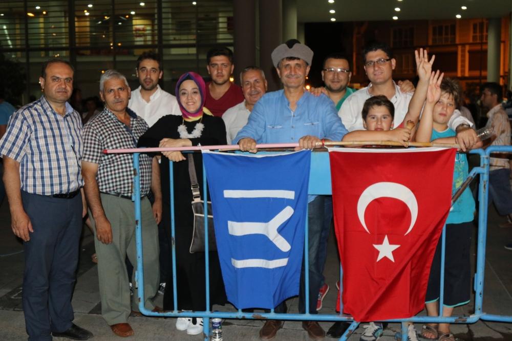 Akhisar'da demokrasi nöbetinin 21.günü 1