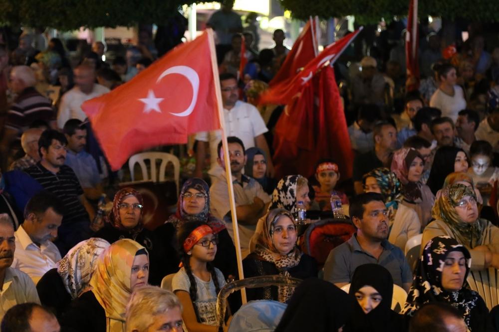 Akhisar'da demokrasi nöbetinin 21.günü 12