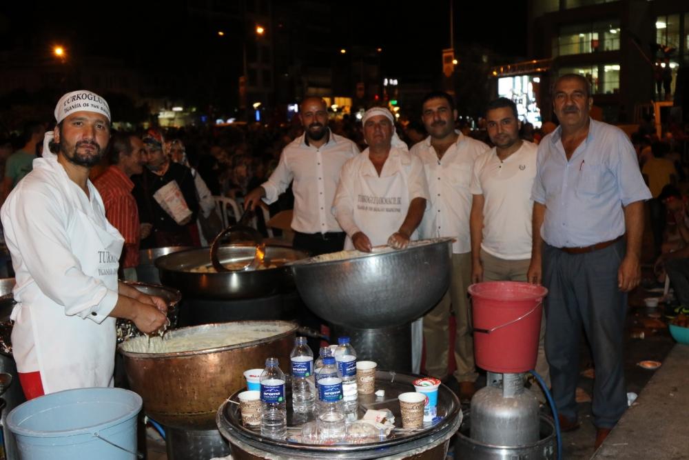 Akhisar'da demokrasi nöbetinin 21.günü 14