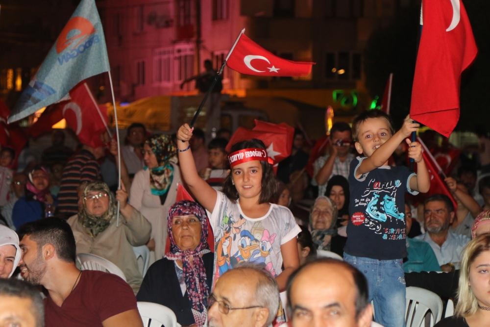 Akhisar'da demokrasi nöbetinin 21.günü 17