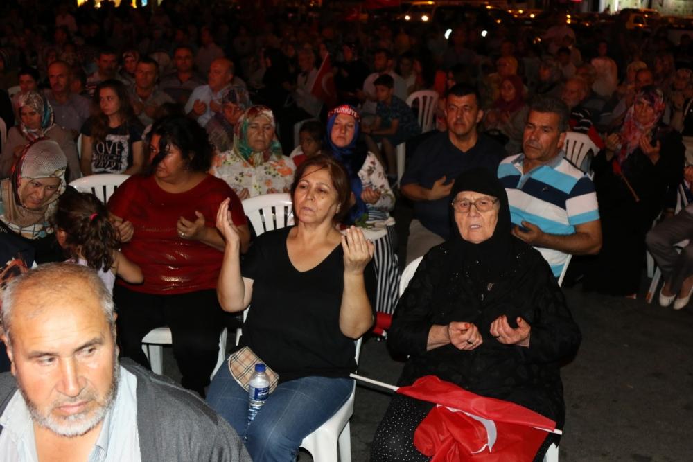 Akhisar'da demokrasi nöbetinin 21.günü 20