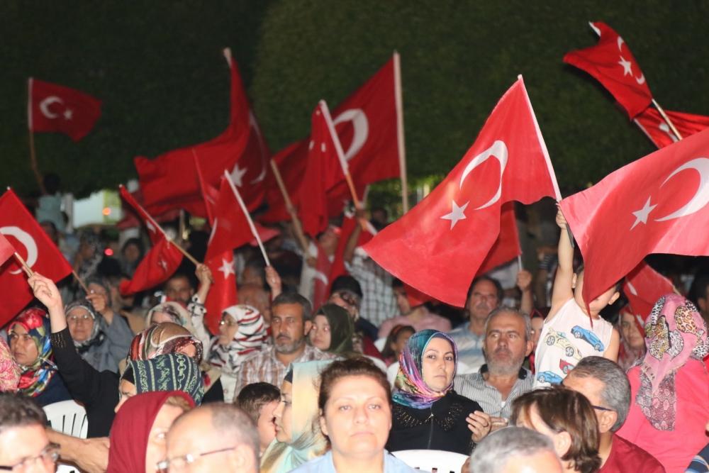 Akhisar'da demokrasi nöbetinin 21.günü 22