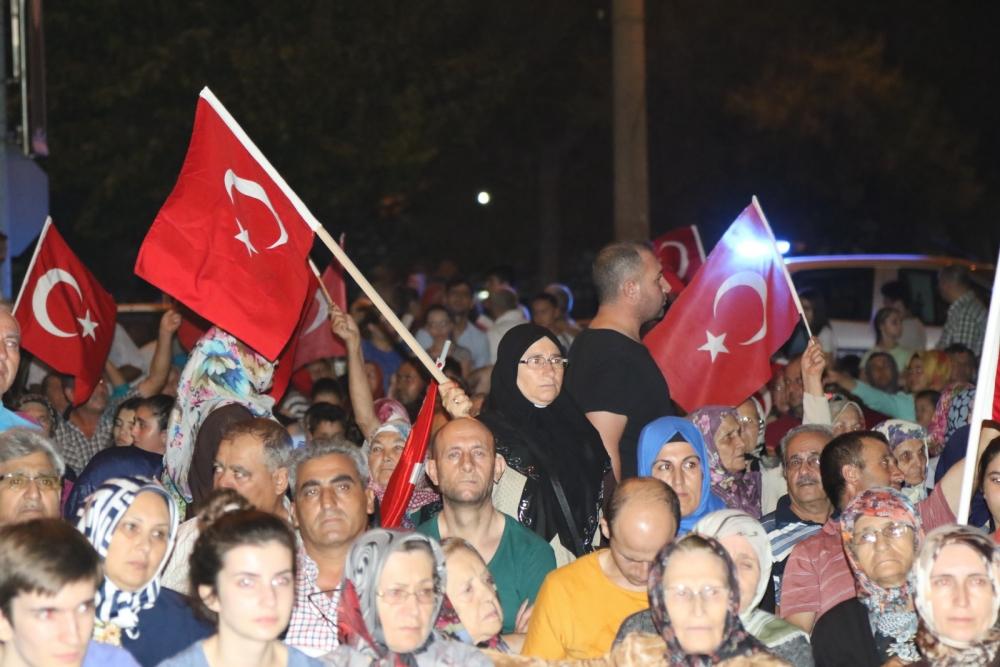 Akhisar'da Milli Egemenlik Meydanında demokrasi nöbeti 22.gün galerisi resim 15
