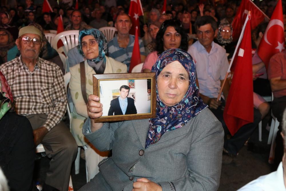 Akhisar'da Milli Egemenlik Meydanında demokrasi nöbeti 22.gün 17