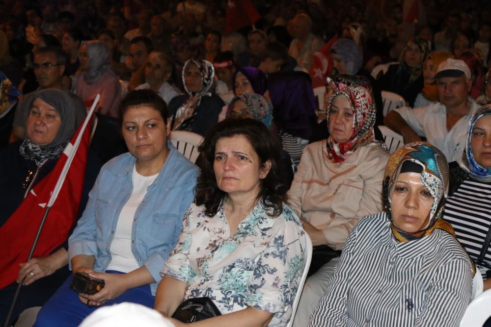 Akhisar'da Milli Egemenlik Meydanında demokrasi nöbeti 22.gün 18