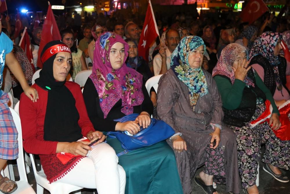 Akhisar'da Milli Egemenlik Meydanında demokrasi nöbeti 22.gün 19