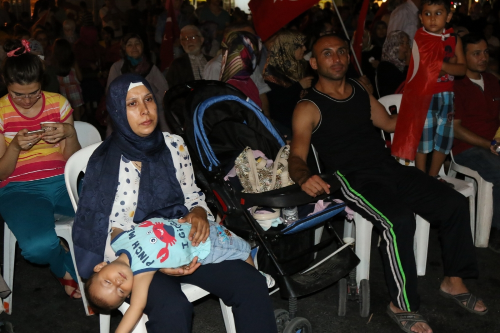 Akhisar'da Milli Egemenlik Meydanında demokrasi nöbeti 22.gün 26