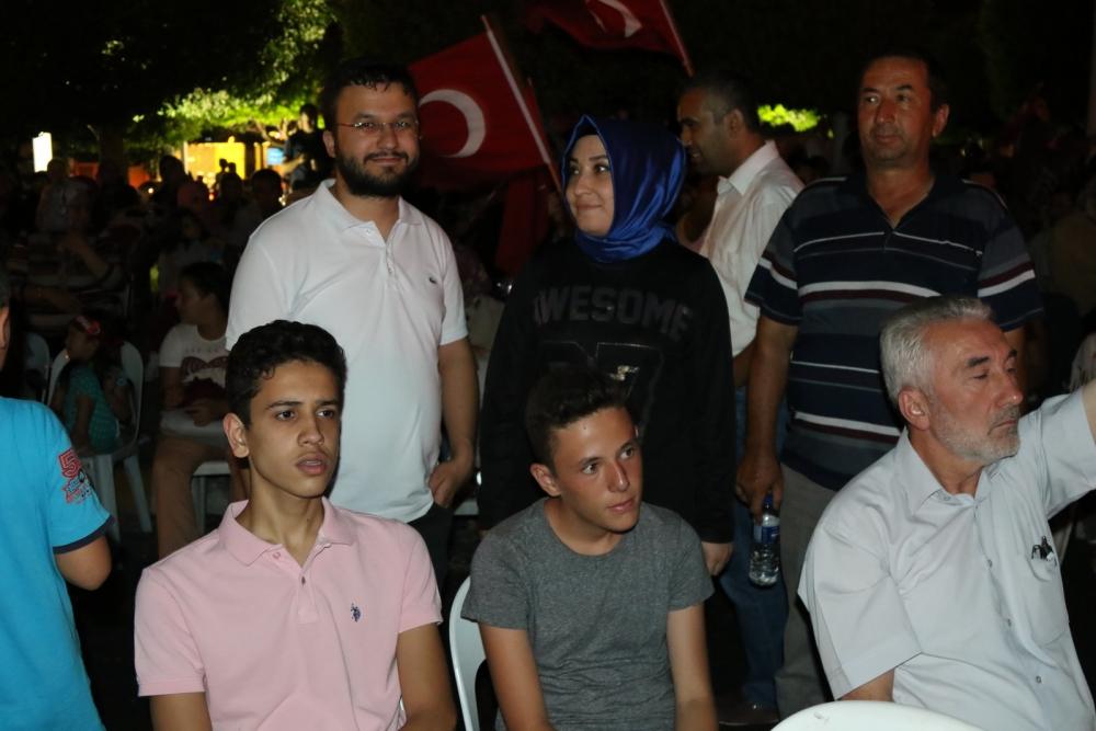 Akhisar'da Milli Egemenlik Meydanında demokrasi nöbeti 22.gün 29