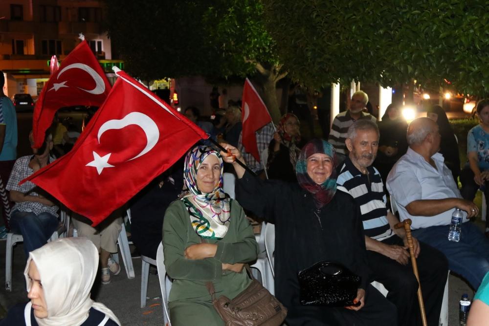 Akhisar'da Milli Egemenlik Meydanında demokrasi nöbeti 22.gün galerisi resim 33