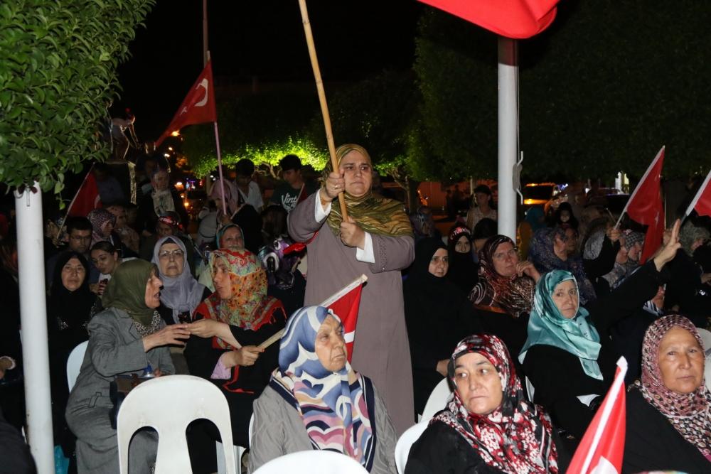 Akhisar'da Milli Egemenlik Meydanında demokrasi nöbeti 22.gün 37