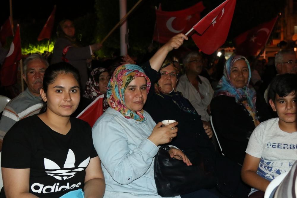 Akhisar'da Milli Egemenlik Meydanında demokrasi nöbeti 22.gün galerisi resim 39