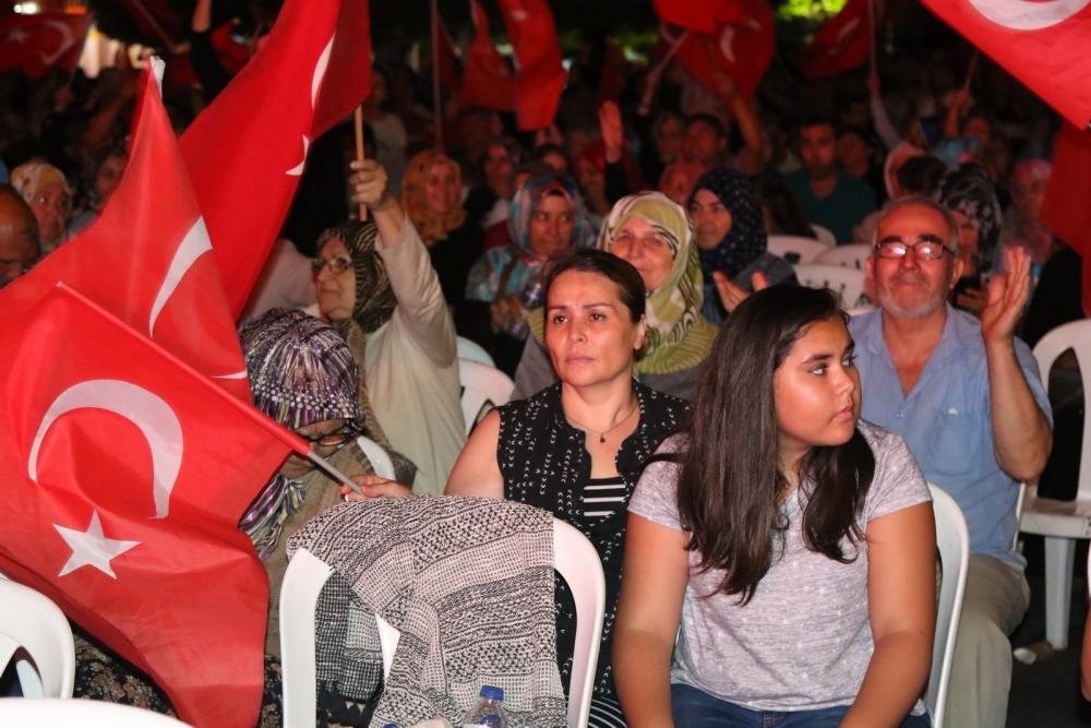 Akhisar'da Milli Egemenlik Meydanında demokrasi nöbeti 22.gün 44