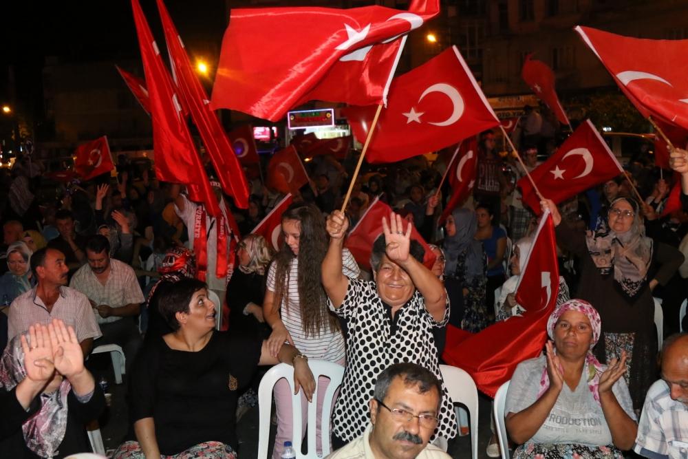 Akhisar'da Milli Egemenlik Meydanında demokrasi nöbeti 22.gün 53