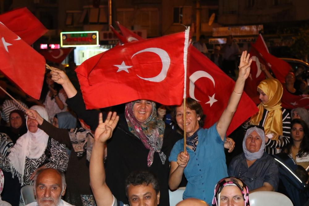 Akhisar'da Milli Egemenlik Meydanında demokrasi nöbeti 22.gün 54