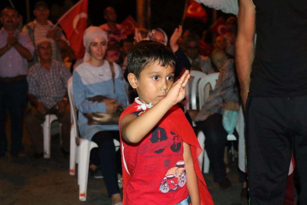 Akhisar'da Milli Egemenlik Meydanında demokrasi nöbeti 22.gün 56