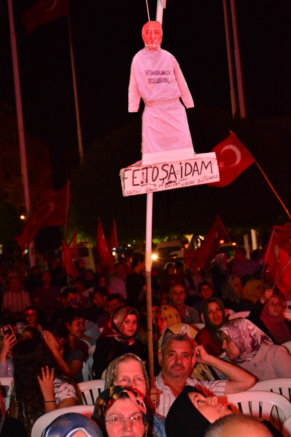 Akhisar'da Milli Egemenlik Meydanında demokrasi nöbeti 22.gün galerisi resim 6
