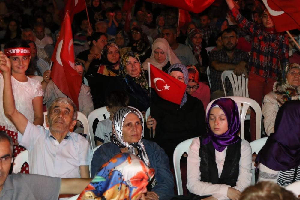 Akhisar'da Milli Egemenlik Meydanında demokrasi nöbeti 22.gün 61