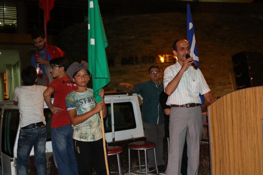 Akhisar'da Milli Egemenlik Meydanında demokrasi nöbeti 22.gün 64