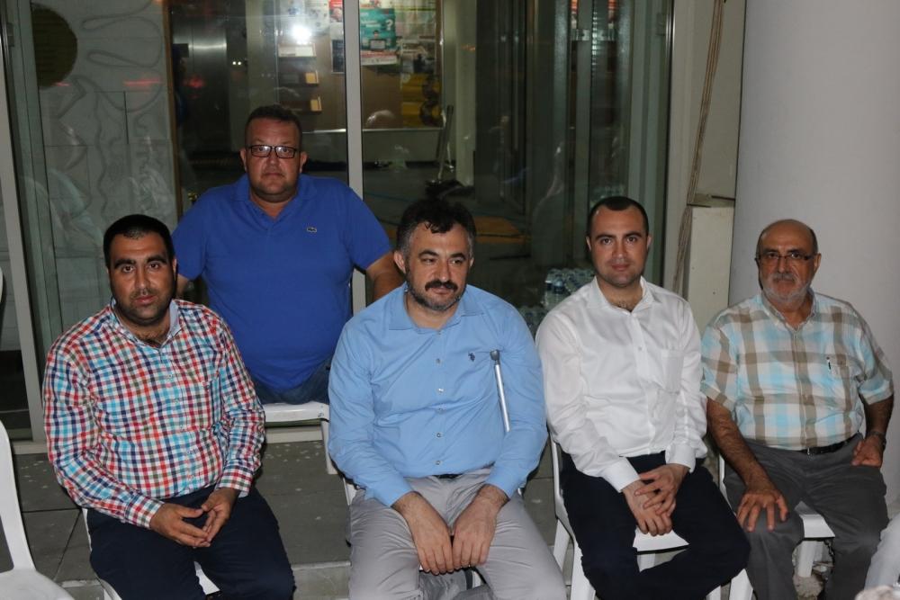 Akhisar'da Milli Egemenlik Meydanında demokrasi nöbeti 22.gün 65