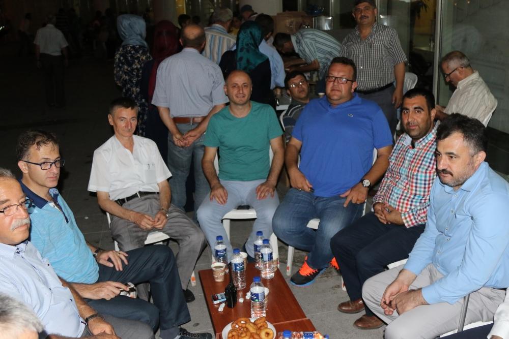Akhisar'da Milli Egemenlik Meydanında demokrasi nöbeti 22.gün 67