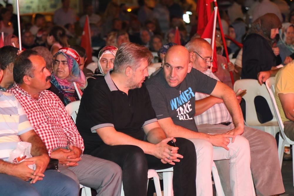 Akhisar'da Milli Egemenlik Meydanında demokrasi nöbeti 22.gün 69