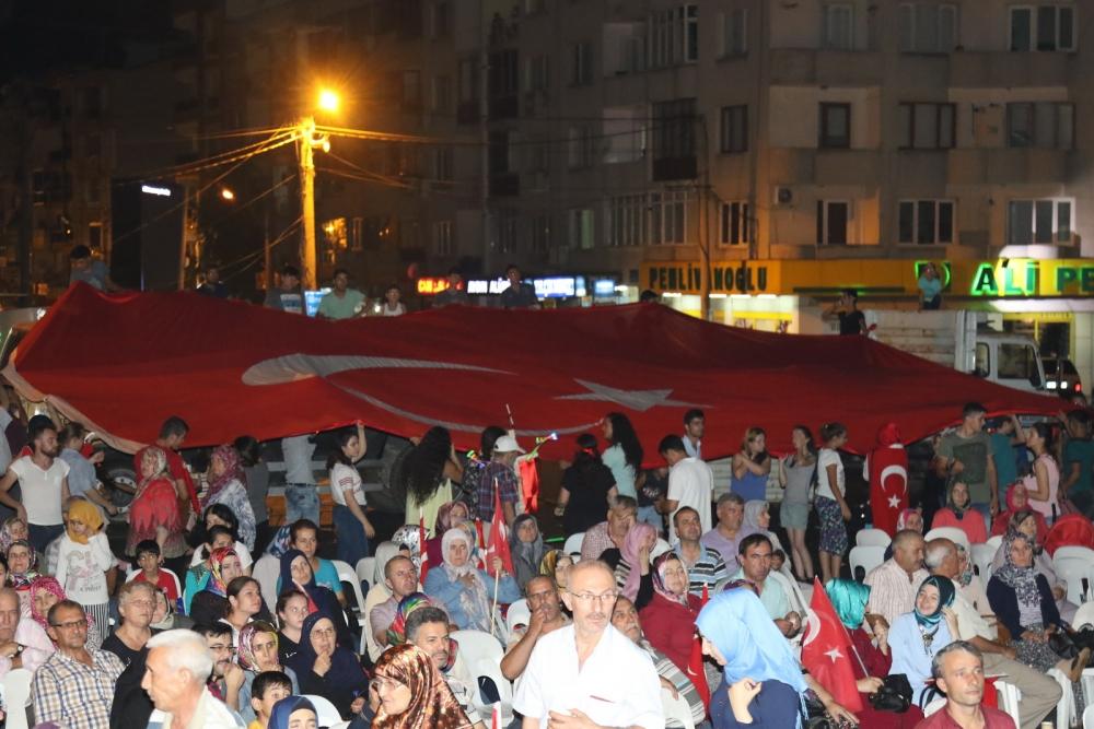 Akhisar'da Milli Egemenlik Meydanında demokrasi nöbeti 22.gün 71