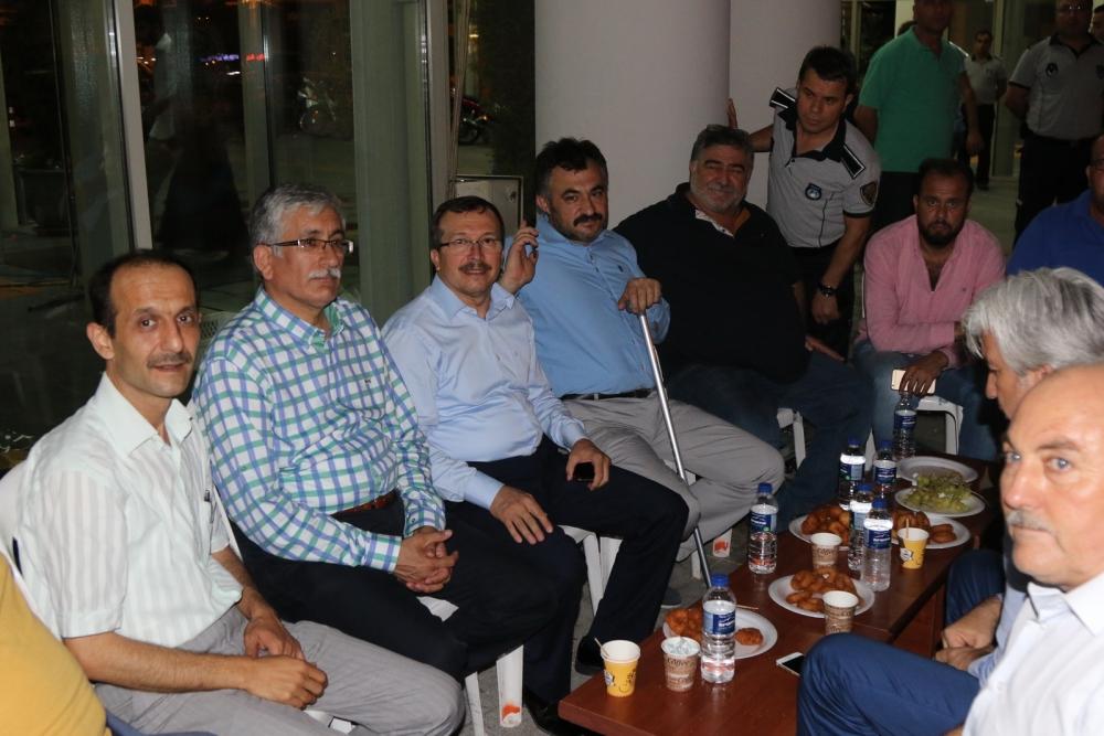 Akhisar'da Milli Egemenlik Meydanında demokrasi nöbeti 22.gün 80