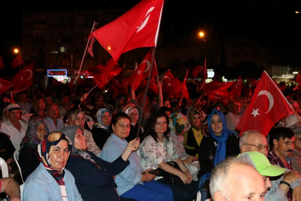 Akhisar'da Milli Egemenlik Meydanında demokrasi nöbeti 22.gün galerisi resim 84