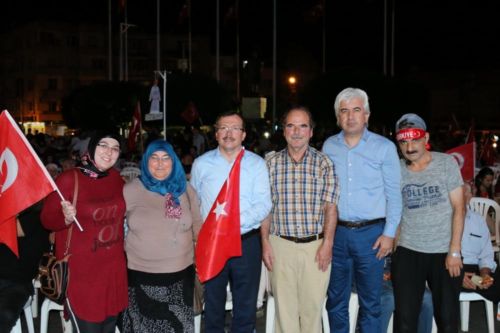 Akhisar'da Milli Egemenlik Meydanında demokrasi nöbeti 22.gün 88