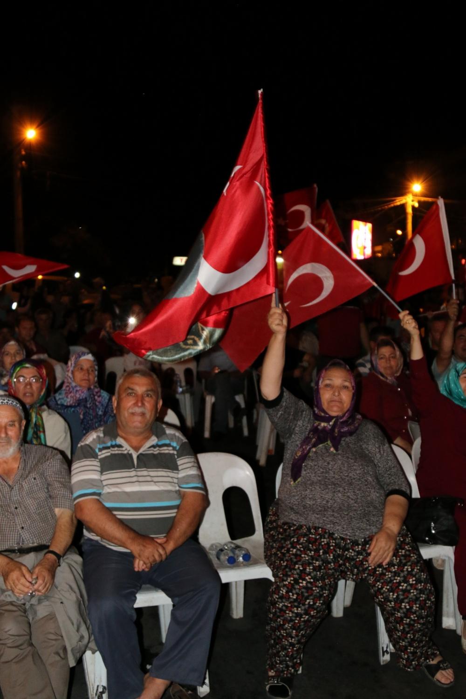 Akhisar'da Milli Egemenlik Meydanında demokrasi nöbeti 22.gün 90