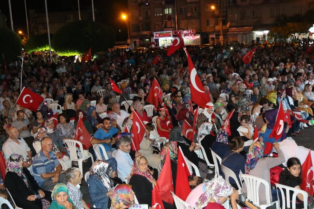 Akhisar'da demokrasi nöbetinin final günü 10