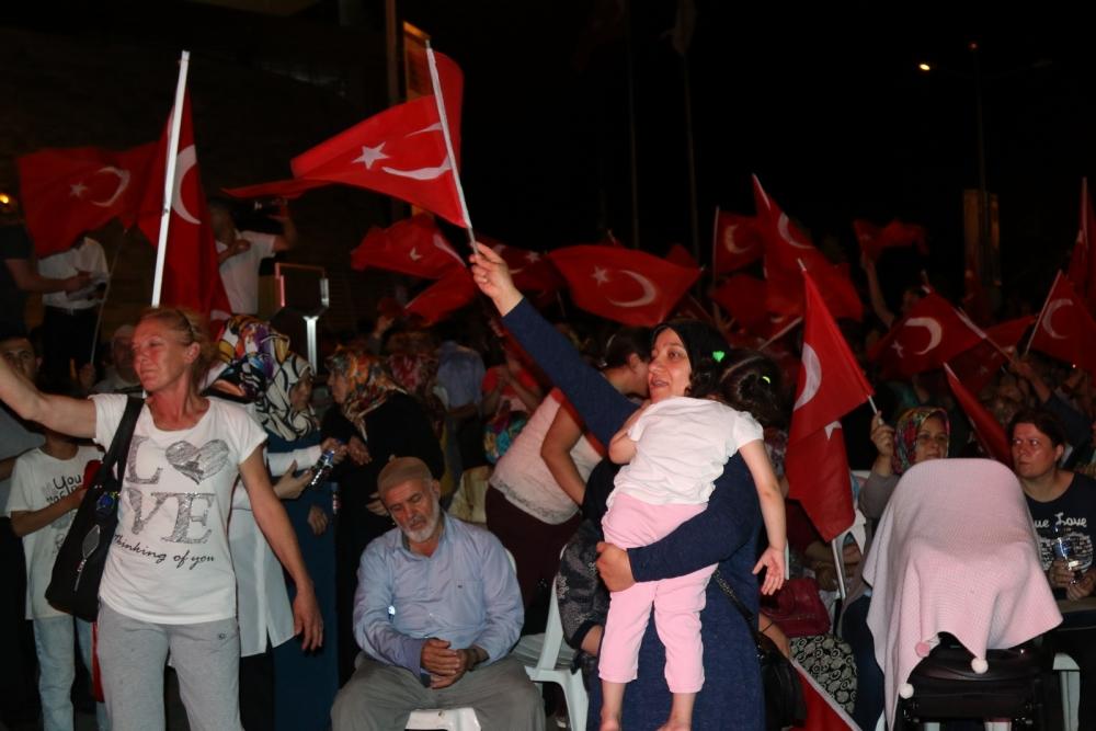 Akhisar'da demokrasi nöbetinin final günü galerisi resim 2