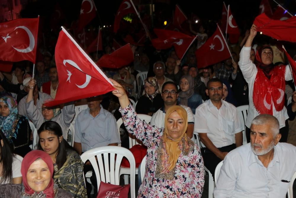 Akhisar'da demokrasi nöbetinin final günü 20