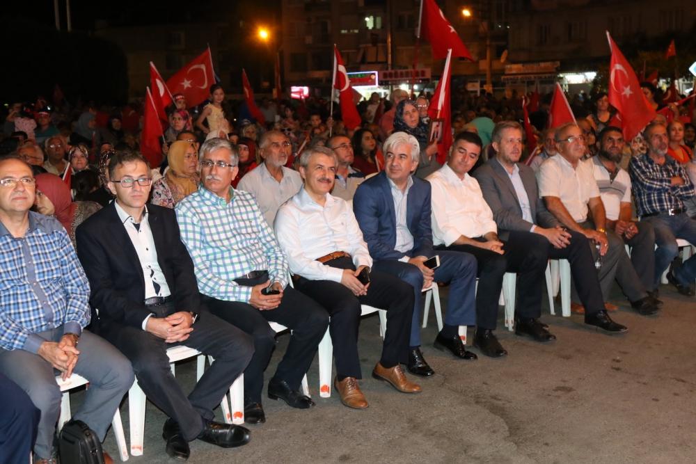 Akhisar'da demokrasi nöbetinin final günü 21