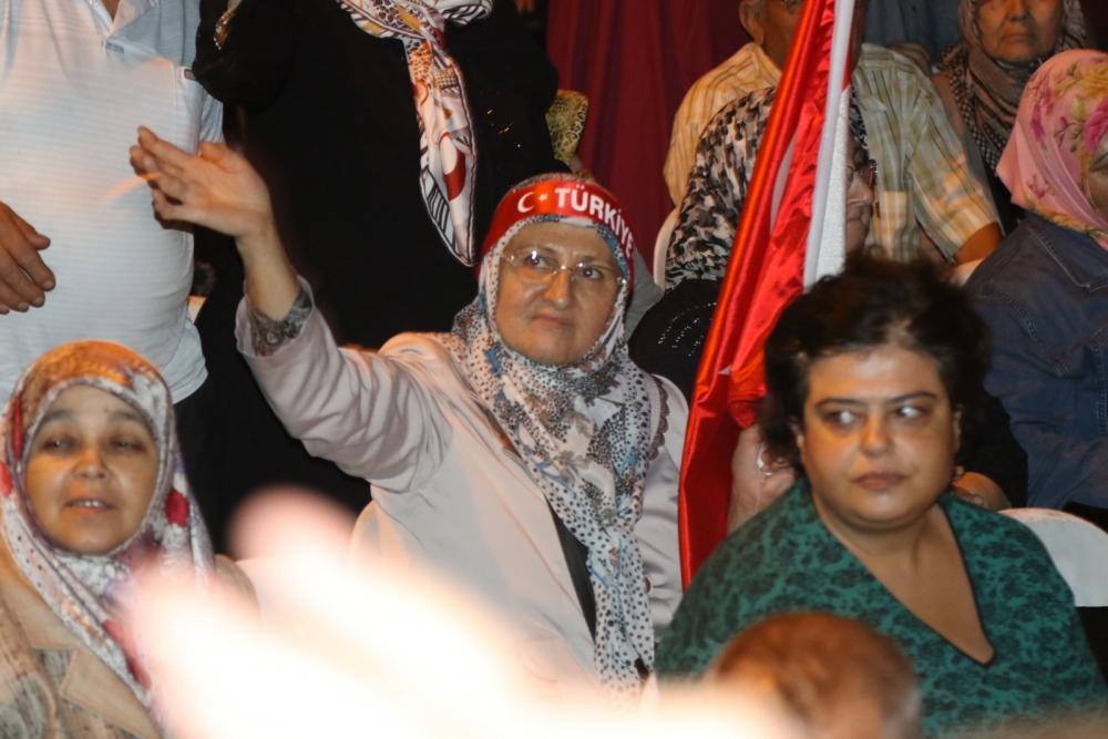 Akhisar'da demokrasi nöbetinin final günü 25