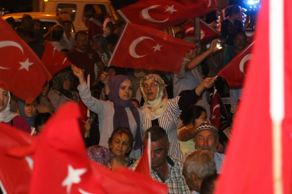 Akhisar'da demokrasi nöbetinin final günü 26