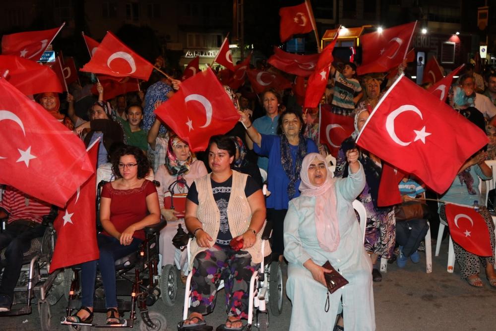 Akhisar'da demokrasi nöbetinin final günü 9