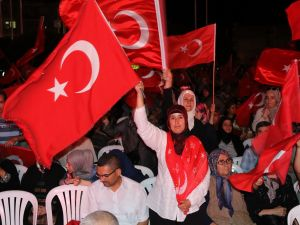 Akhisar'da demokrasi nöbetinin final günü